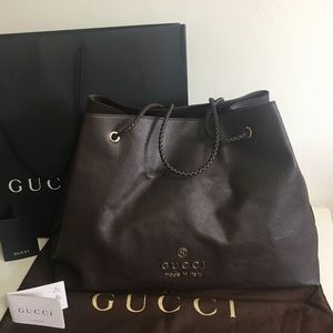 Authentic GUCCI large brown leather tote